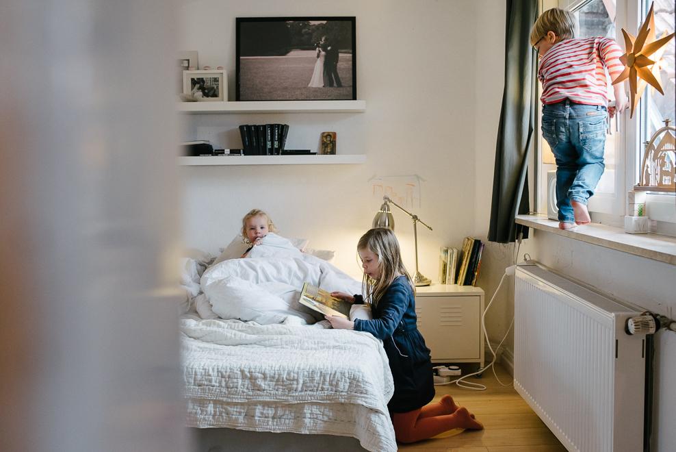 dokumentarische familienfotografie humorvolle kindheitsmomente fotografin marburg