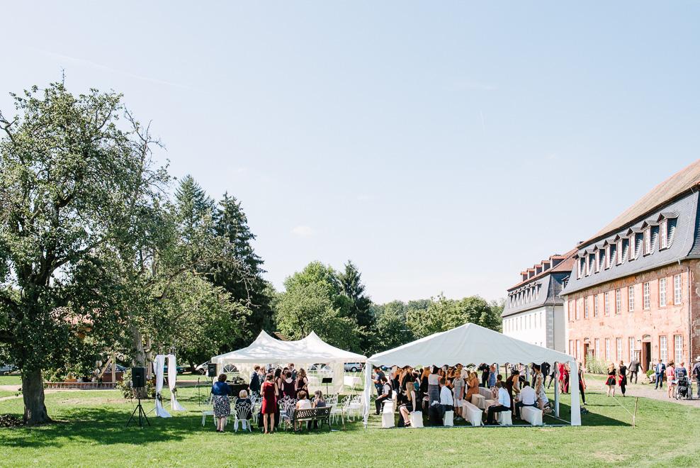 outdoor wedding sommerhochzeit raum frankfurt