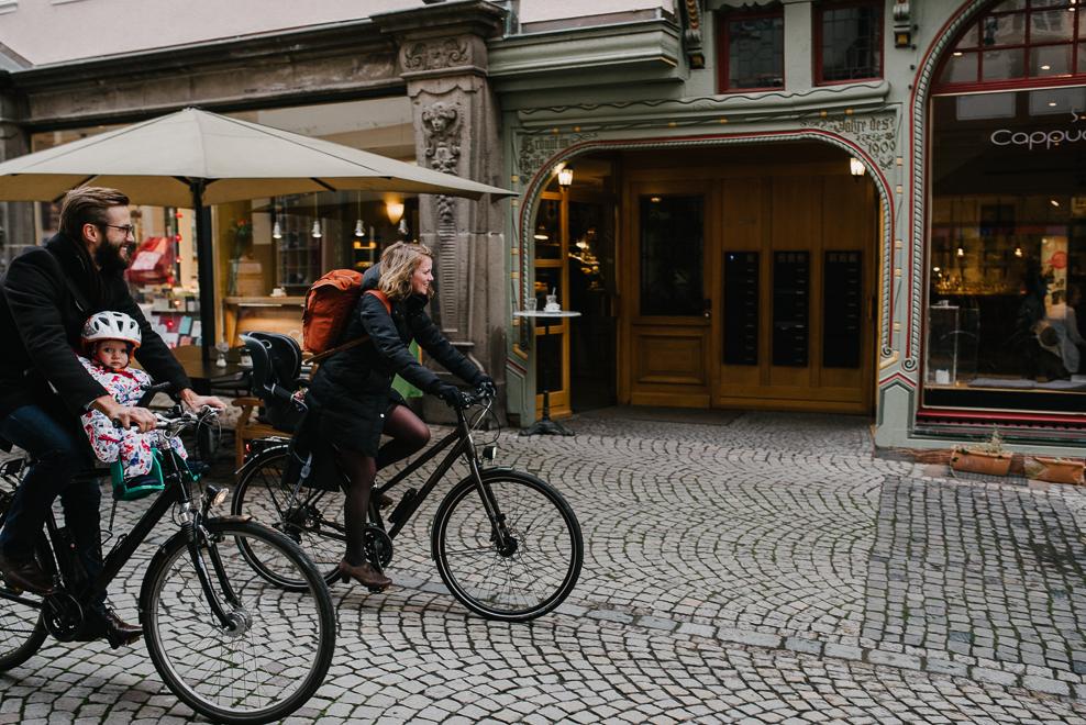 mit dem fahrrad durch die oberstadt familienfotos marburg