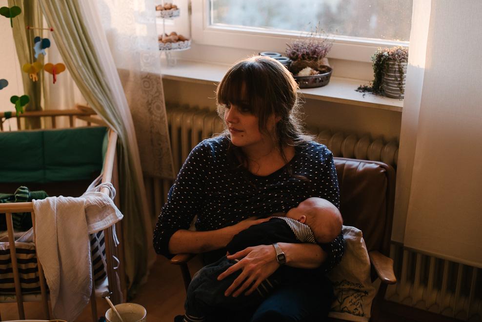 authentische babyfotos wochenbettfotografie marburg