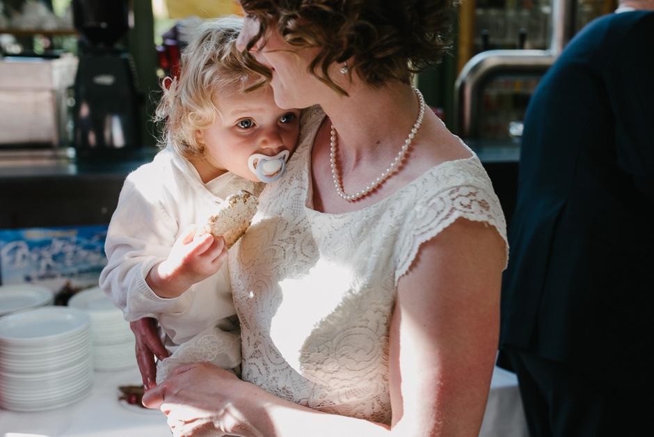 hochzeit mit kind dokumentarische hochzeitsfotografie marburg