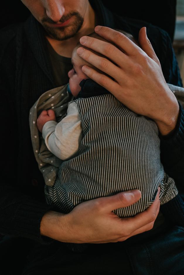 papaliebe natuerliche neugeborenenfotografie frankfurt