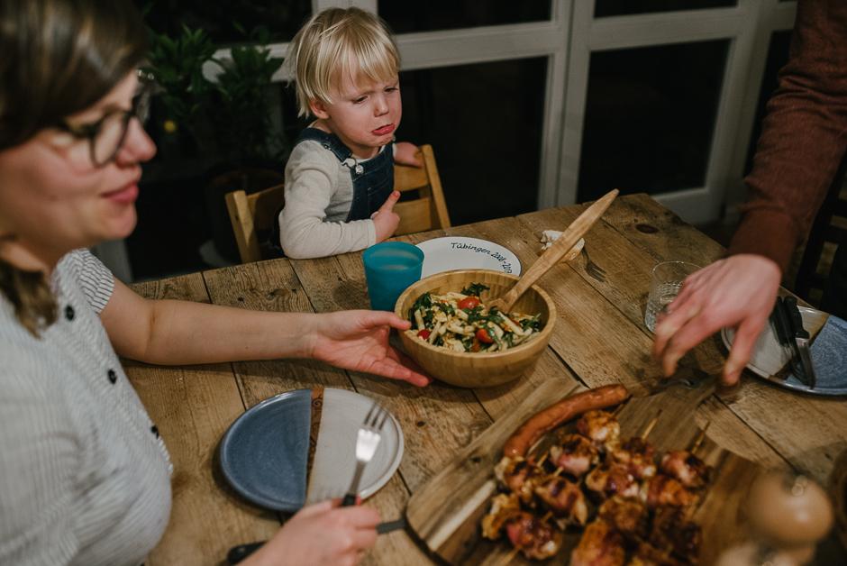 authentische familienfotos dokumentarische familienfotografie leipzig