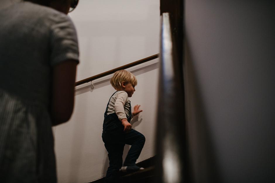 dokumentarische familienfotografie leipzig künstlerische kinderfotos