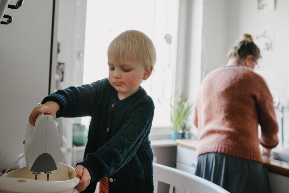 dokumentarische familienfotografie zu hause