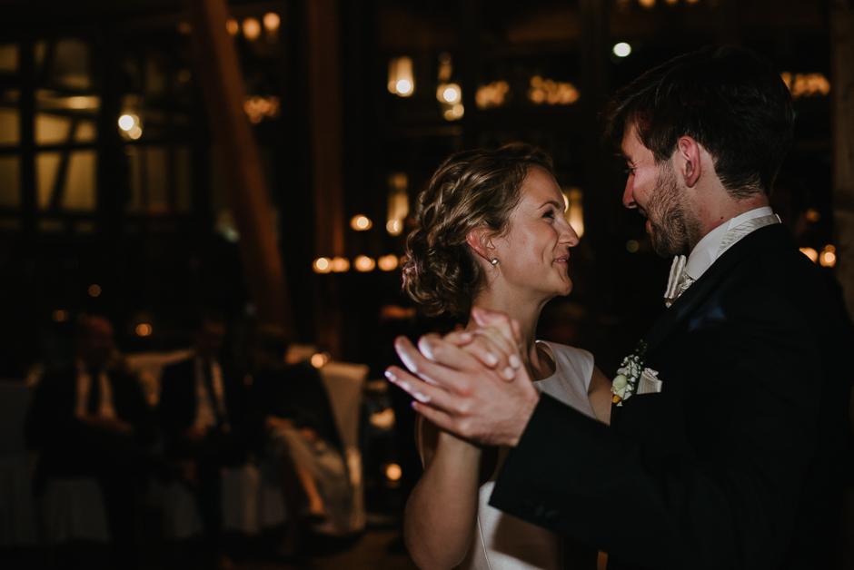 first dance hochzeitsfotos
