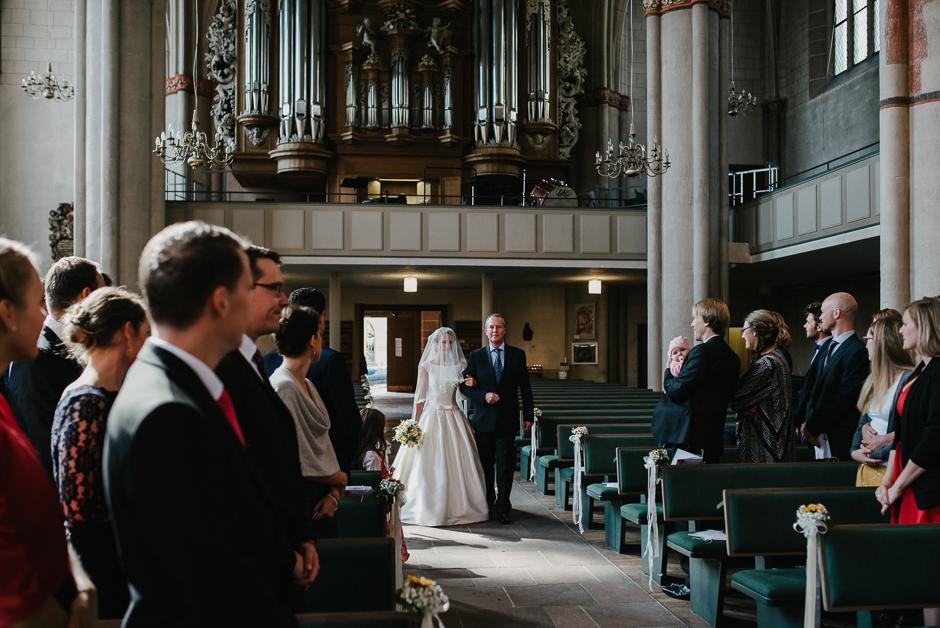 einzug der braut kirche marburg